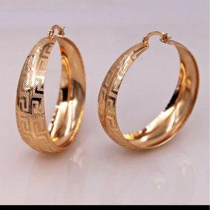 * New Luxury 18k Gold Hoop Round Earrings